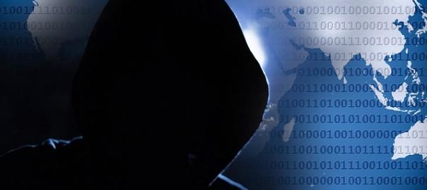 e83cb40d28f6063ecd0b470de7444e90fe76e7d518b1174495f4c7_640_hacker